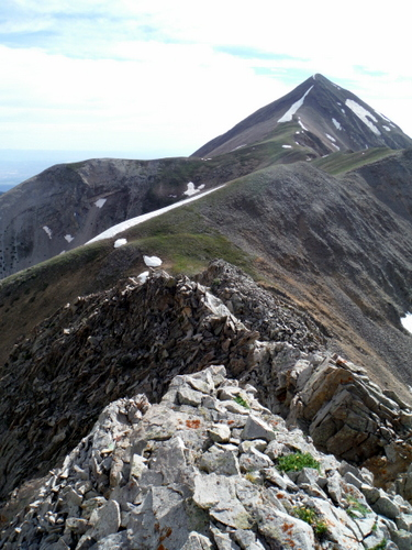 Ridgeline to Mount Tukuhnikivatz (12,482')